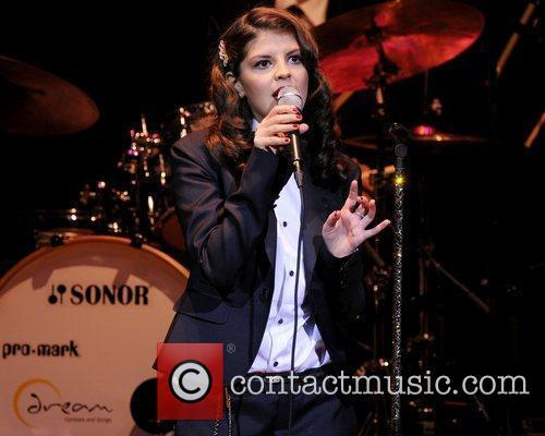 Nikki Yanofsky and Massey Hall 9