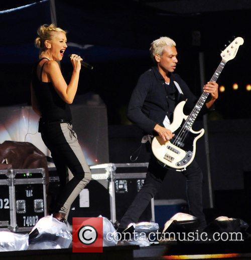 Gwen Stefani and No Doubt 2