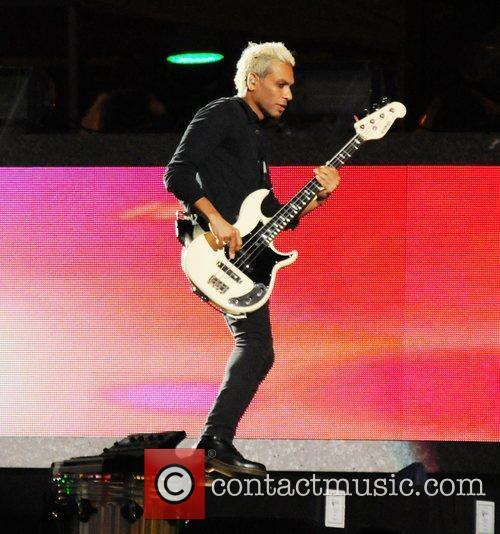 no doubt rehearsing for the nfl opening 4059001