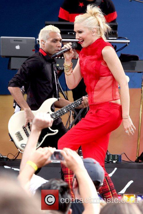 Tony Kanal and Gwen Stefani No Doubt performs...