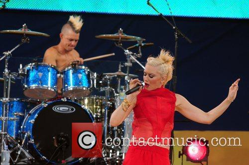 Adrian Young and Gwen Stefani 4