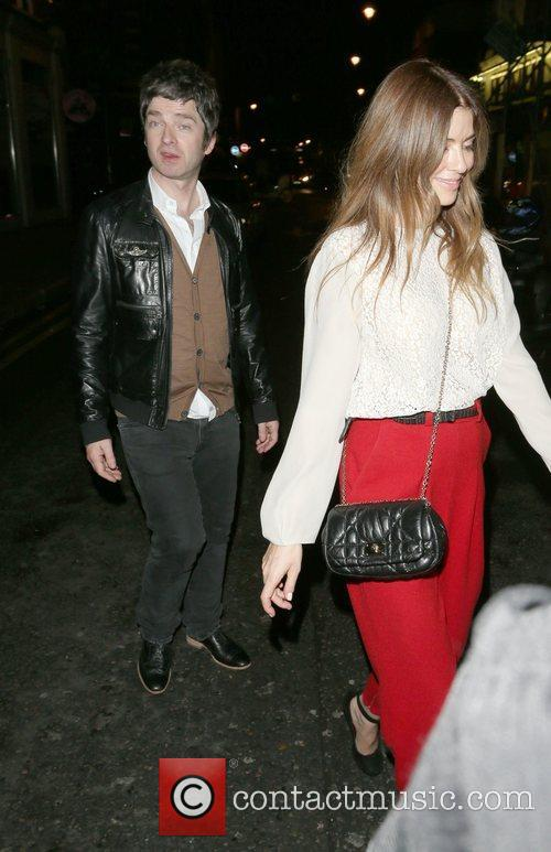 Noel Gallagher, Sara MacDonald