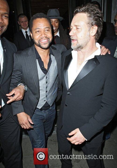 Russell Crowe and Cuba Gooding Junior 4
