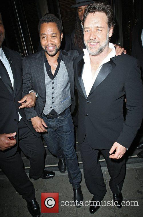 Russell Crowe and Cuba Gooding Junior 9