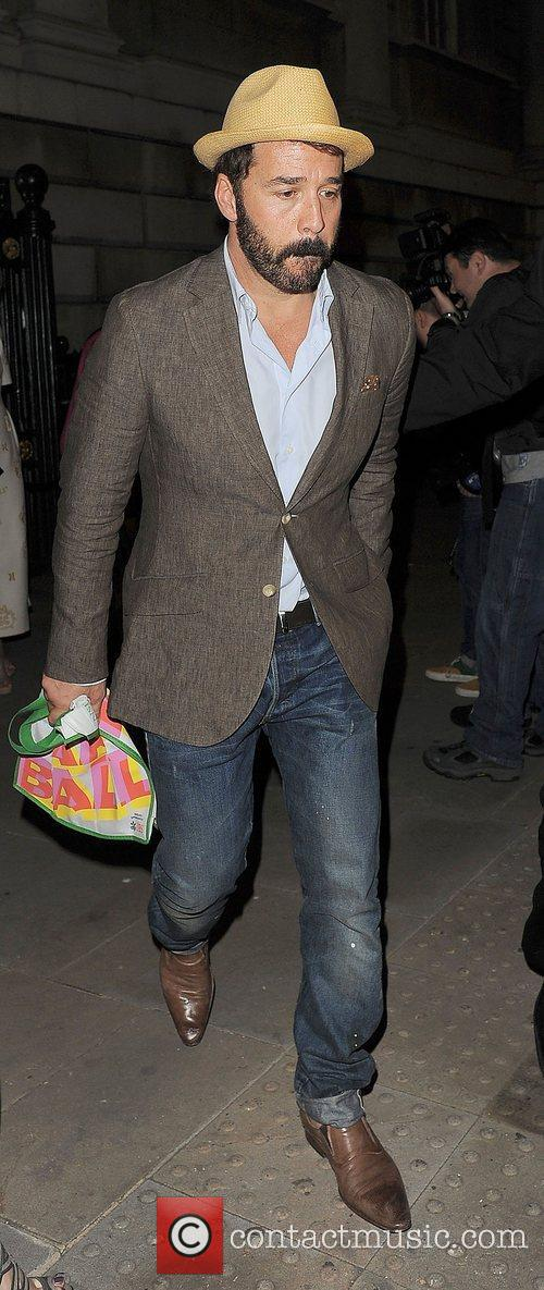 jeremy piven nspcc pop art ball departures 3906353