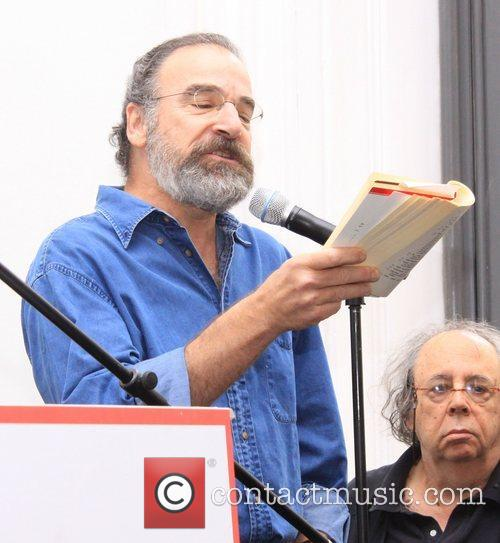 mandy patinkin attending the opening of the 4113875