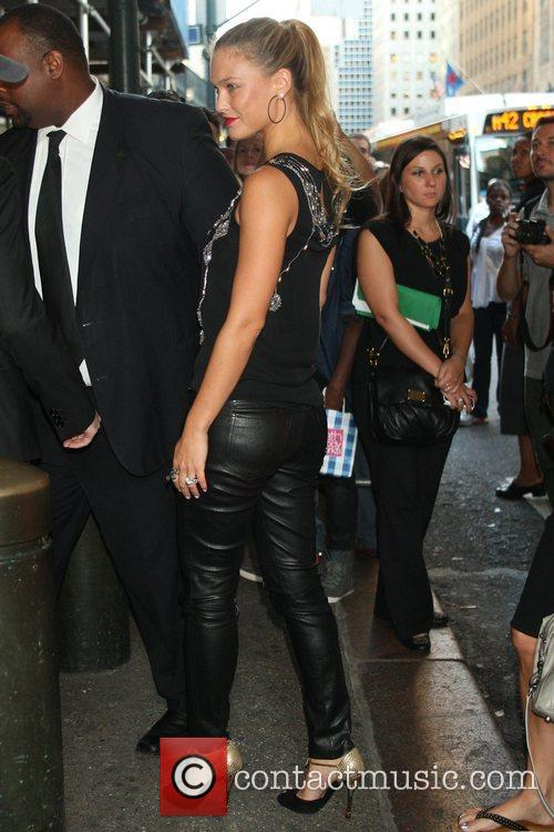 bar refaeli mercedes benz new york fashion 5911183