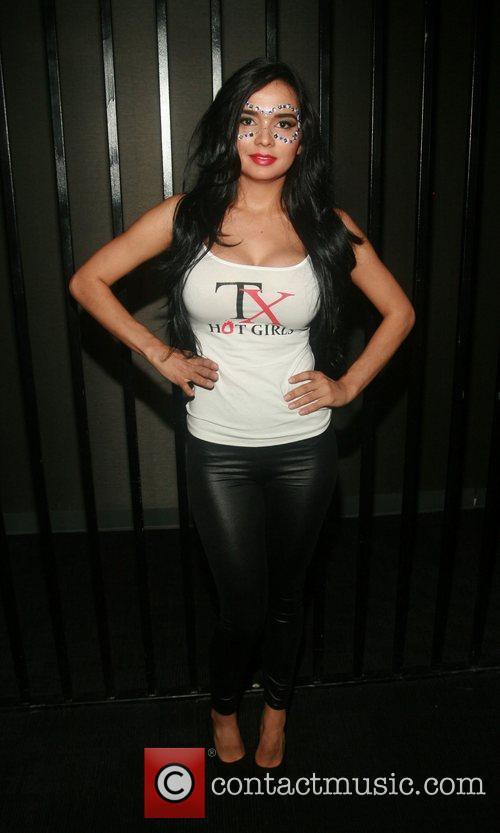 Model Eliane Luduvino  attending the 'Licious Apparel...