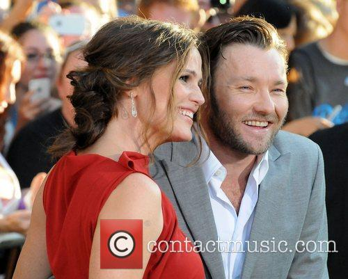 Joel Edgerton and Jennifer Garner 3