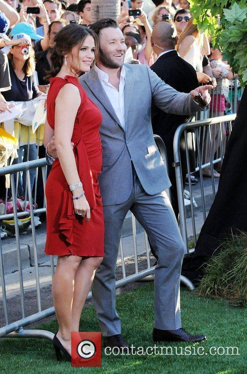 Joel Edgerton and Jennifer Garner 4