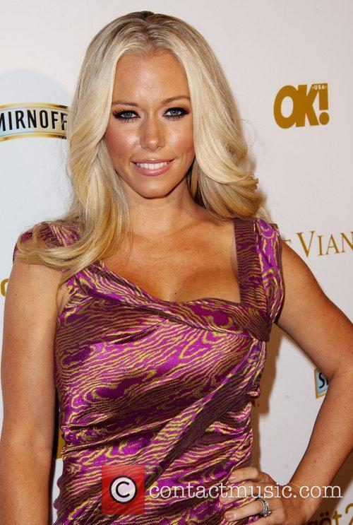 Kendra Wilkinson and Grammy 4