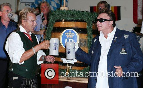 Siegfried and Roy kick off Oktoberfest 2012 at...