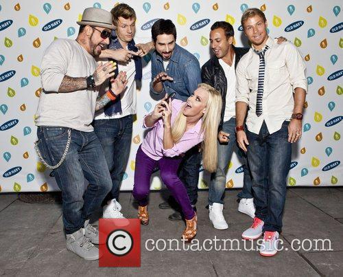 Backstreet Boys, Jenny Mccarthy and Bryant Park 8