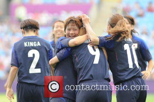 Nahomi Kawasumi (Japan) scores the first goal...