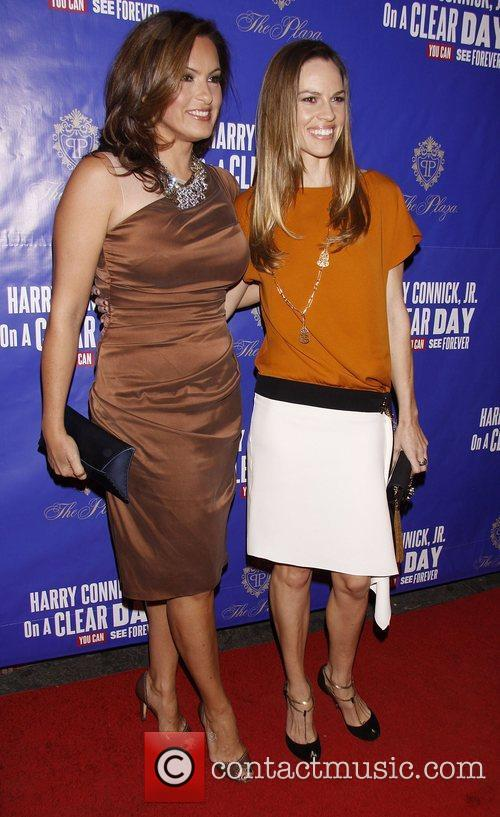 Mariska Hargitay and Hilary Swank 5