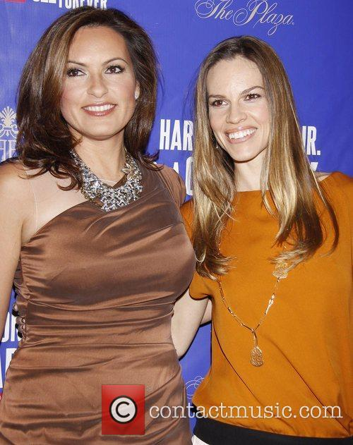Mariska Hargitay and Hilary Swank 1