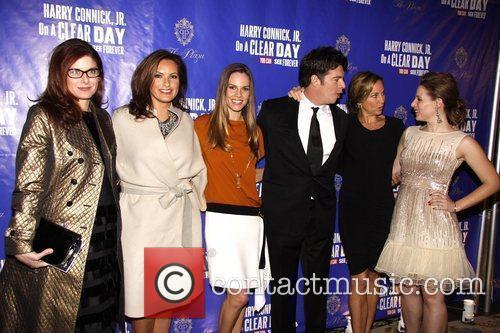 Debra Messing, Harry Connick Jr., Hilary Swank, Jill Goodacre and Mariska Hargitay 3