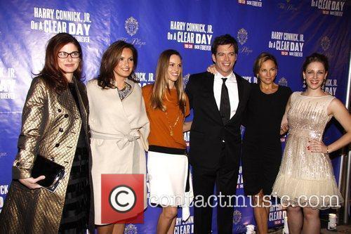 Debra Messing, Harry Connick Jr., Hilary Swank, Jill Goodacre and Mariska Hargitay 1