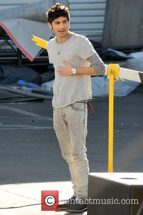 Zayn Malik One Direction seen having lunch and...