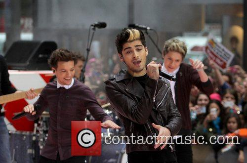 One Direction and Rockefeller Plaza 7