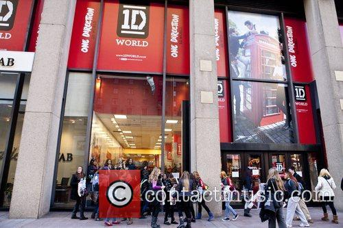 One Direction and World' Pop Up Store 10