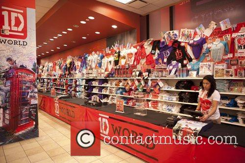One Direction and World' Pop Up Store 6
