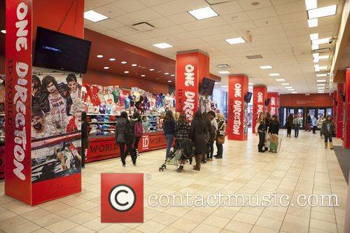 One Direction and World' Pop Up Store 15