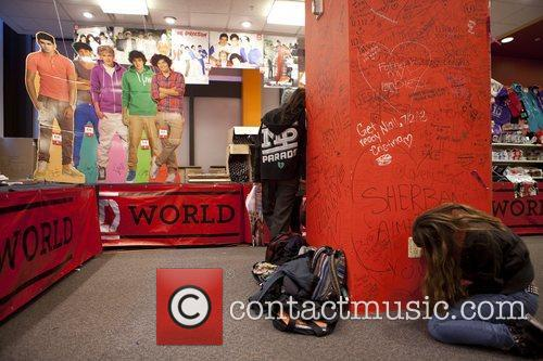 One Direction and World' Pop Up Store 9