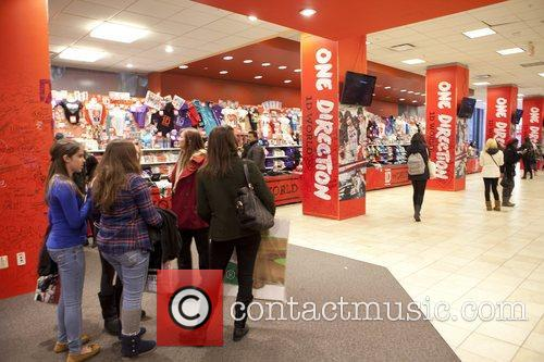 One Direction and World' Pop Up Store 17