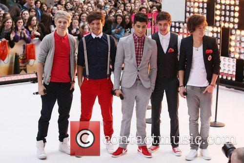 One Direction performs on 'Today' as part of...
