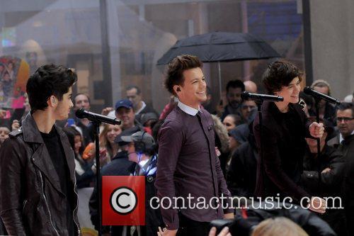 Zayn Malik, Louis Tomlinson and Harry Styles 9