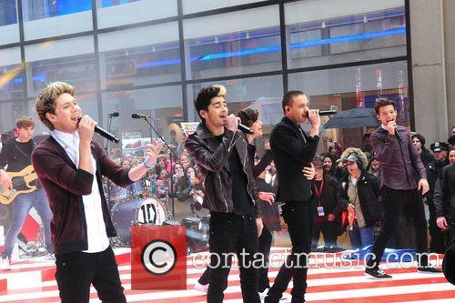 One Direction performing on the Today Show