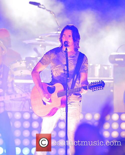 Jake Owen 2013 Discover Orange Bowl between the...