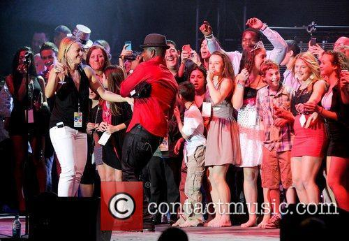 ne yo performs at the 2nd annual 3668615