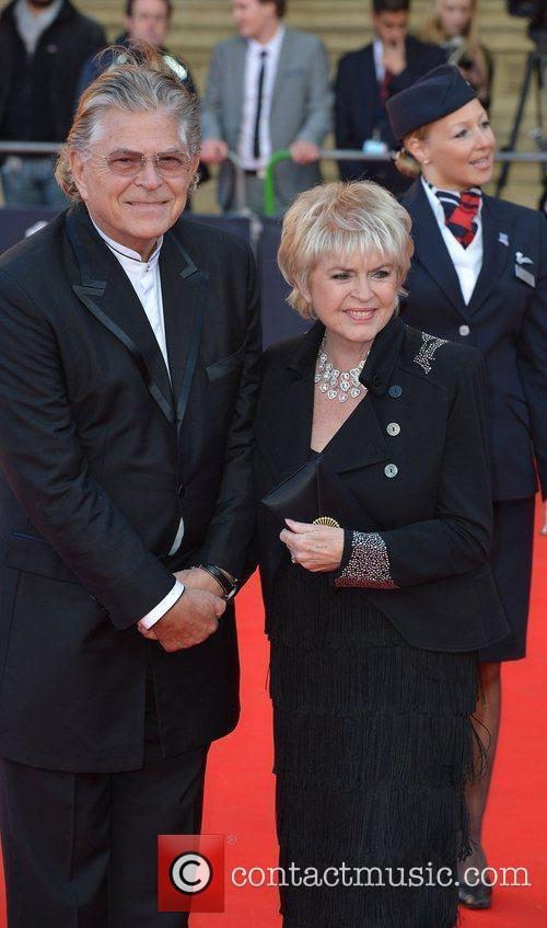 Gloria Hunniford and guest 'Our Great Team Rises'...