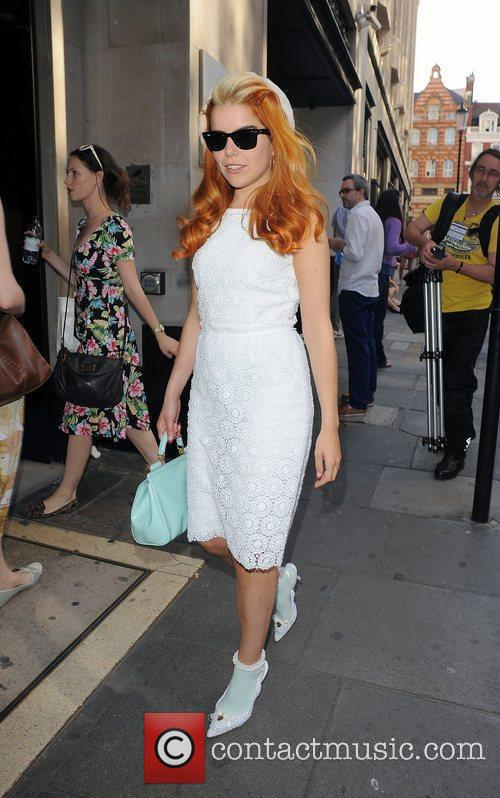 Paloma Faith and Sony 5