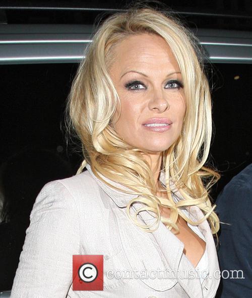 Pamela Anderson, Apollo Victoria Theatre and Wicked 5