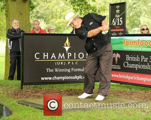 Tony Jacklin Farmfoods British Par Three Golf competition...