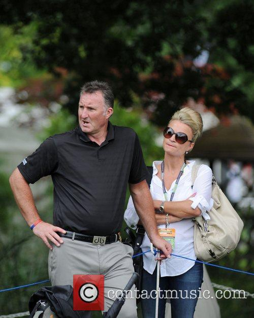Alan McInally Farmfoods British Par Three Golf competition...