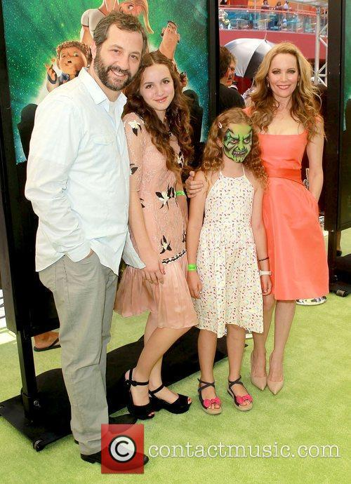 judd apatow leslie mann and kids world 4021737