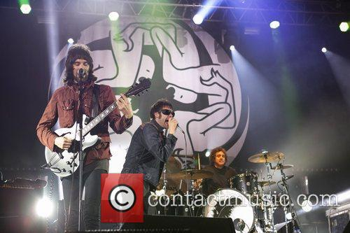 kasabian performing live at the festival paredes 4037029
