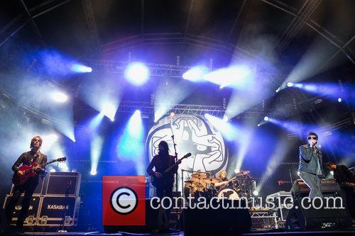kasabian performing live at the festival paredes 4037031