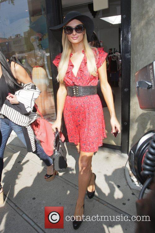 paris hilton seen shopping with friends at 5810272