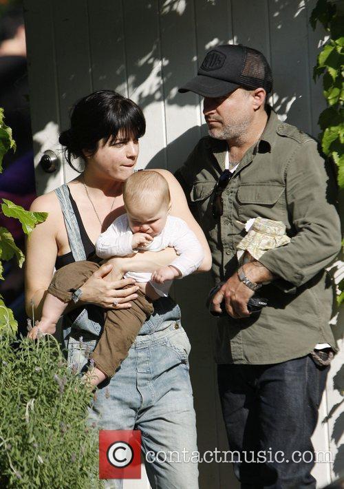 selma blair carries her son arthur as 3817670