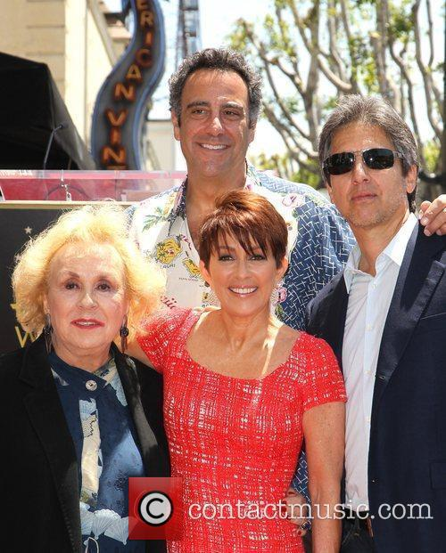Doris Roberts, Brad Garrett, Patricia Heaton and Ray Romano 2