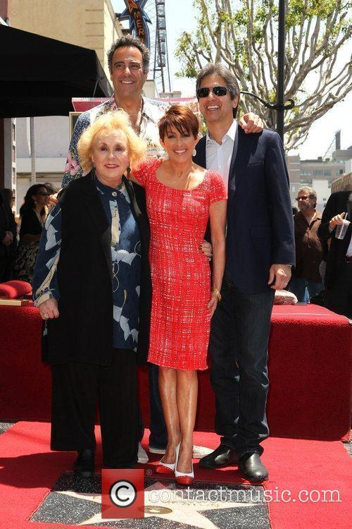 Doris Roberts, Brad Garrett, Patricia Heaton and Ray Romano 4