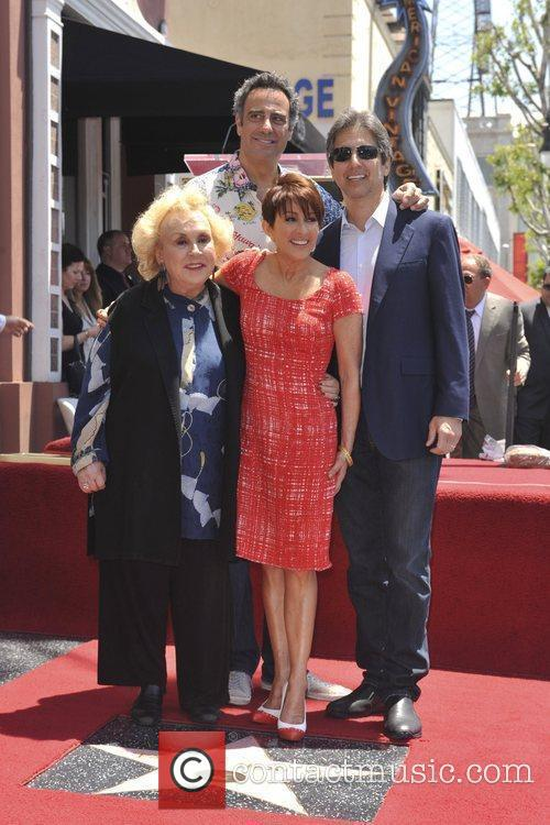 Brad Garrett, Doris Roberts, Patricia Heaton and Ray Romano 1