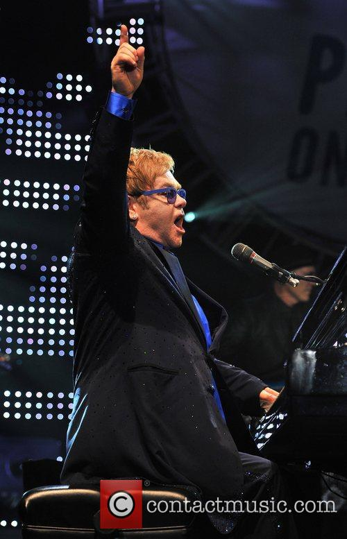 Elton John 18