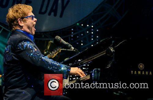 Elton John 22