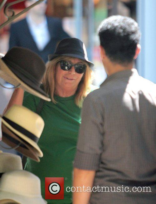 Penny Marshall out shopping for a new hat...